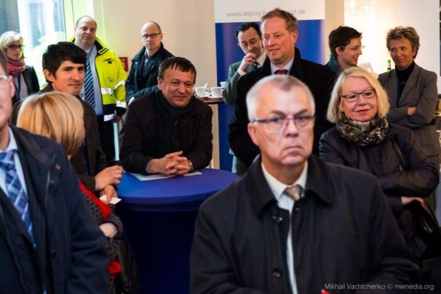 In die Mitte Director Ruslan Salis GmbH Iljasov Ildar